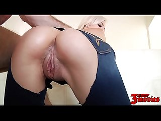 Gorgeous elsa dream is wet and horny