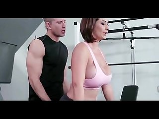 What is her name gym workout hot