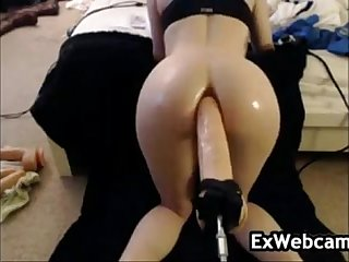 Cam slut using A thick toy