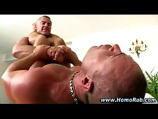 Muscley straight guy turns Bear and cums