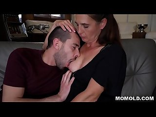 Kinky GILF Mariana Seducing Grandson of Neighbor
