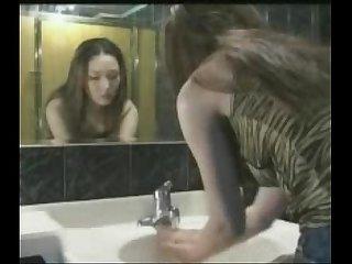 Korean boy and girl sa loob ng cr