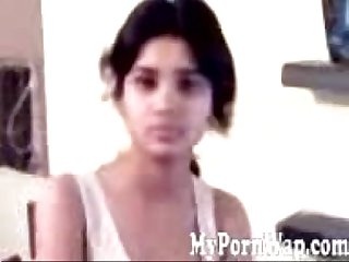 Indian call girl wearing bra after fucking mms