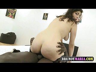 Preciosa jovencita desvirgada por el Culo por un pollon negro de brunoymaria