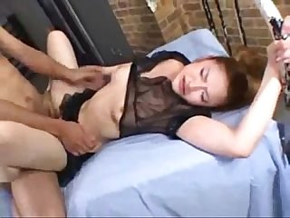 Amateur bitch gets fucked hard in bed