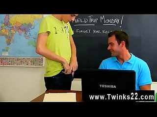 Sexy gay gorgeous teacher Cameron kincade gets a very inviting offer