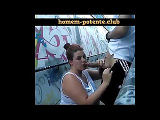 Gordinha pagando boquete na Vila Madalena em São Paulo! Acesse;..