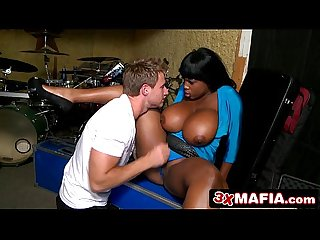 Boy from the band fucking jumbo sized jugs of ebony milf maserati
