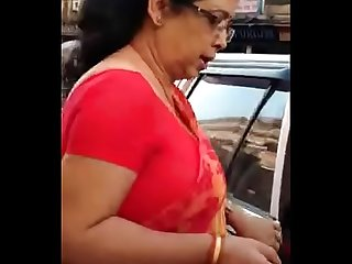 My favourite type of Aunty with big boobs and sexy back