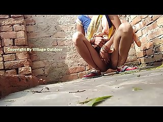 Desi indian bhabhi pissing outdoor village outdoor Videos