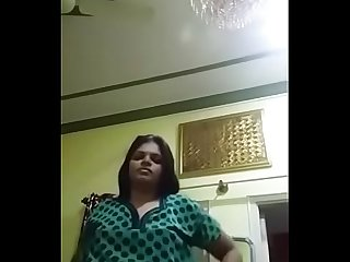 1 Desi Aunty showing off sexy figure