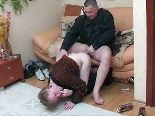 Novinho se deliciando na pica do tio