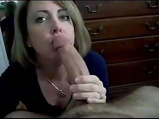 Very pretty mom gives hubby the best head classic pov amateur