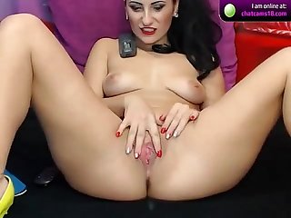 Keishacandy9 brunette shows her pussy on cam