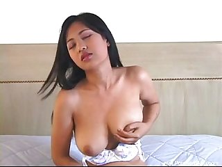 Horny Thai Teen Amateur Feels Good