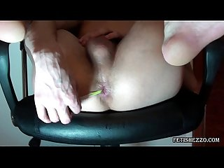 Ton plays with anal balls and go ass to mouth