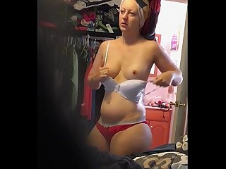 Milf culona saliendo de la ducha
