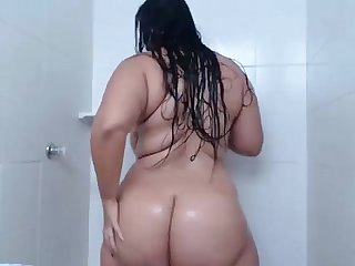 Chubby slut in shower camsxrated com