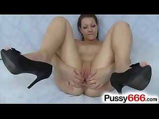Tarya King a European pussy close up pov
