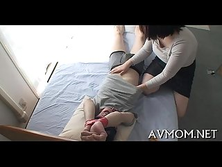 Groaning mamma gets teased