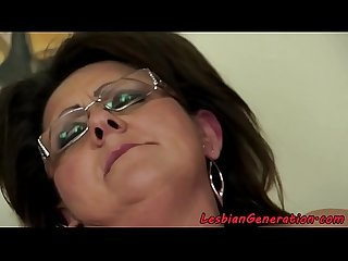 Spex grandma orally pleasured by babe