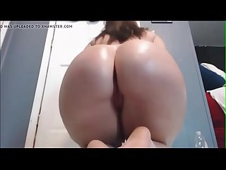 Latina Babe with massive ass dance seductively on cam