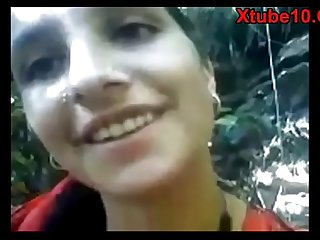 Indian Desi Village Girl Fucked by BF in Jungle Porn Video