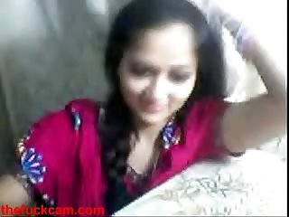 Live Sex indian tean on Webcam showing her titties