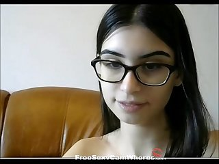 She may look nerdy but she loves cumming for hundreds of online viewers