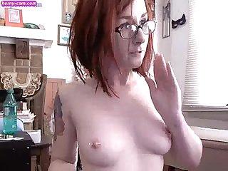 Amazing Cam Babe carli toying her sweet Pussy www Horny Cam com