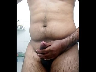 Indian gujju desi guy bathroom selfie to her gf on skype jay25111..