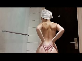 Antonia Sainz in shower