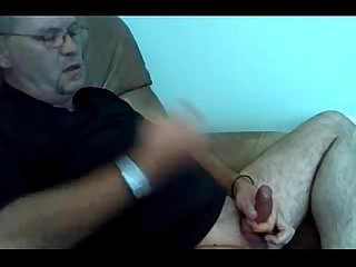 Dad jerking off and shooting