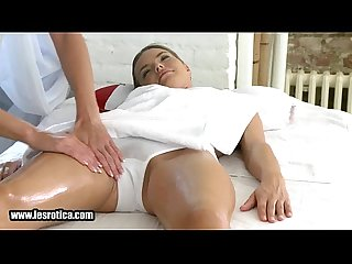 Sexy brunette lesbian hottie gets her pussy fingered2