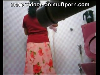 Hidden cam indian milf in a shower muftporn com