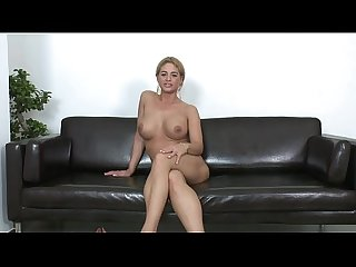 Casting de europea caliente masturbandose