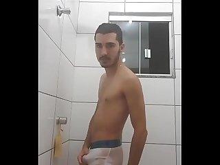 Novinho no desafio da cueca branca