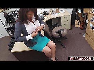 Brunette hottie chick opens her sweet pussy