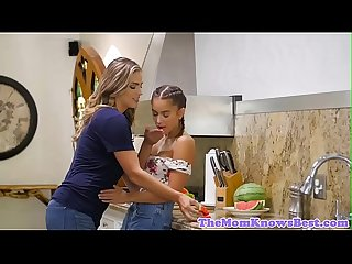 Les stepmom fingers stepteen in the kitchen