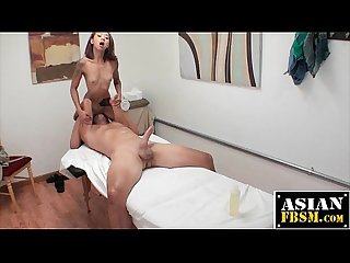 Masseuse Does Hot Sixty-Nine