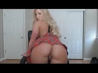 Huge tits hot milf gain 3 dollar per minute working from home on lavorainwebcam period com
