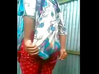 Desi neighbour girl changing caught by hidden cam 24cam org