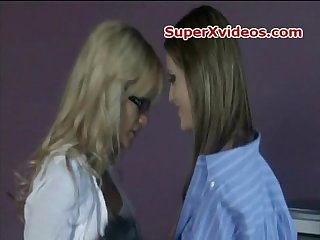 Lindsey meadows and jessica drake