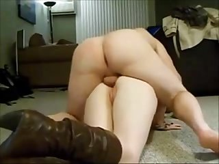 Big booty screaming anal