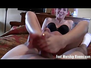 Shiloh can't resist Lorianna's perfect feet