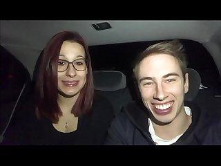 Eva fa un pompino con ingoio a max felicitas in macchina