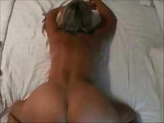 FUCKING MY BEST FRIENDS MOM DOGGYSTYLE(CELL PHONE FOOTAGE) - JXNXXS.COM