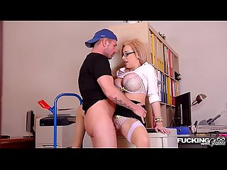 Her nerdy glasses make delivery guy bang busty chessie kay at the office