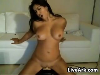 Sexy latina on her sybian