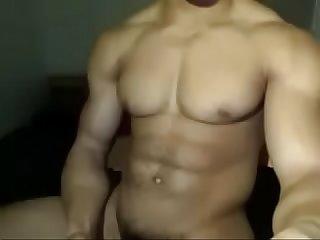 Moreno Gostoso masturbatemais